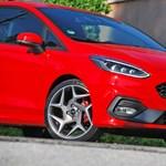 Videó: így gyorsul az új 3 hengeres Ford Fiesta ST a régi 4 hengeres ellen