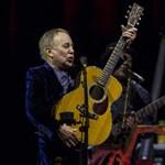 Paul Simon eladta hat évtizednyi zenéjét