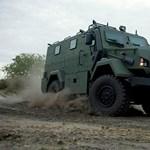 Fotó: tesztelik Komondort, az új magyar harcjárművet