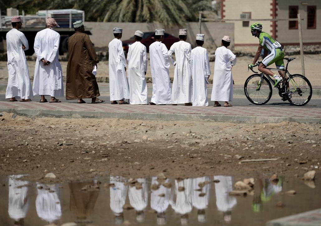 afp.14.02.23. - Muscat, Omán: résztvevő a ''Tour of Oman'' kerékpárverseny hatodik, egyben utolsó szakaszán al-Sifa és Matrah Corniche között.  - a hét képei