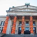Aj Vej-vej feldíszítette a berlini Konzerthaust