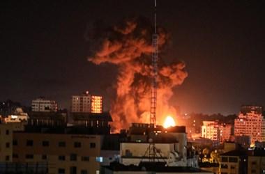 Izraeli–palesztin konfliktus: rakétatámadásra légi csapás volt a válasz hajnalban