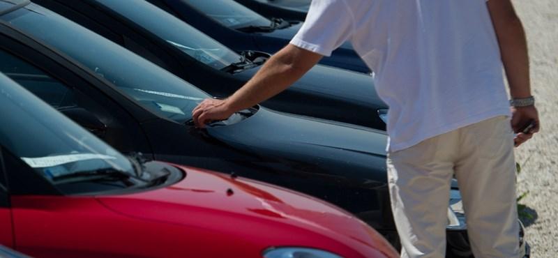 Az autóvásárlók fele megbánja döntését