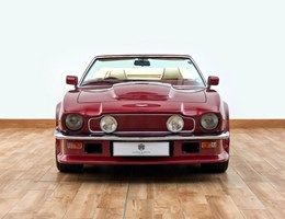 Ez tényleg focista autó volt: eladó David Beckham Aston Martinja