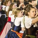 Hiába kergeti őket Orbán, az osztrákok elfutnak előlünk