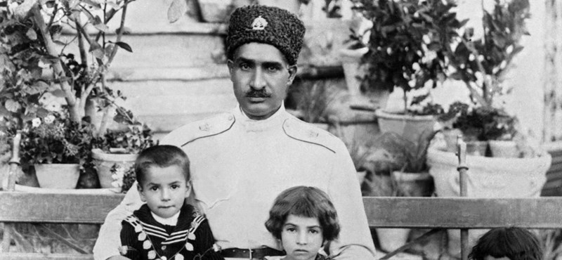 Halott sah múmiája szorongathatja meg az iráni vezetést