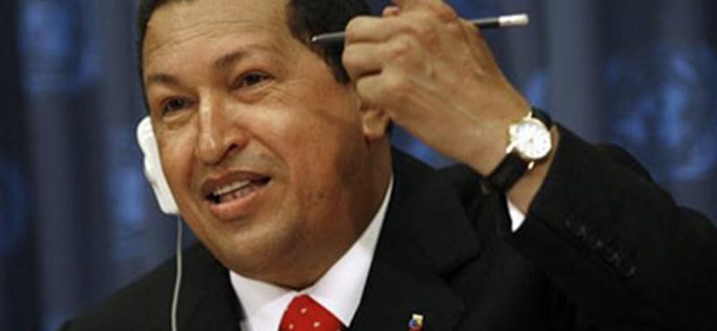 Rákbetegségével viccelődött Chávez