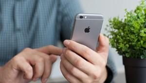 Vigyázzon, megint furcsa üzenettel idegesítik az iPhone-osokat, lefagy tőle a mobil