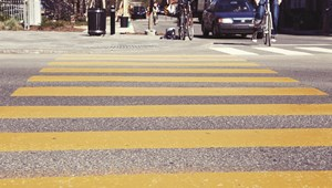 Flashmobbal kampányoltak gyalogátkelőért a békéscsabai diákok