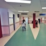 Félezer orvos és ápoló a vizes vb-n van, de állítják, ezt nem sínylik meg a kórházi betegek