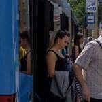 Budapest hőségriadó idején: 36 fok kint, 40 fok a BKV buszain
