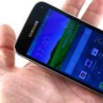 Miniverzum: teszten a Samsung Galaxy S5 kisebb kiadása