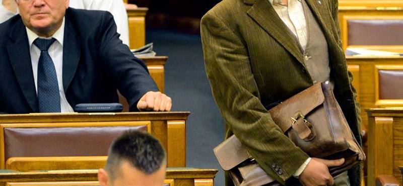 Paksi titkosítás: Bencsik János kiszavazott a Fideszből