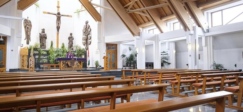 Lazítanak a korlátozásokon a püspökségek, de még mindig nem lehet mindenhol misézni