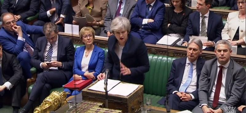 Leszavazta a brit parlament a Brexit-megállapodást - percről percre