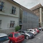 Lebontják a Budai Vár egyik legmegosztóbb épületét