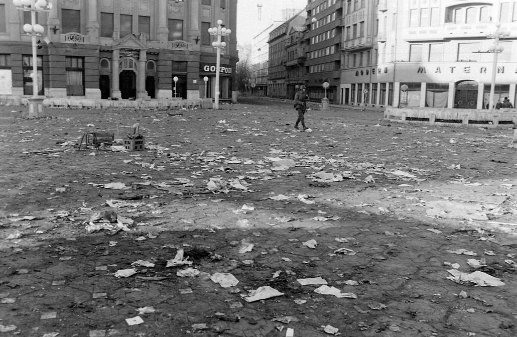 fortepan. Temesvár 1989, román forradalom - Piata Victoriei. Romániai forradalom