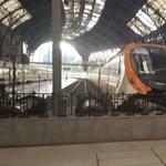 Baknak rohant egy vonat Barcelonában, több mint 40 sérült van – fotó, videó