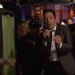 A New York-i metróban utcazenélt a sztárműsorvezető - videó