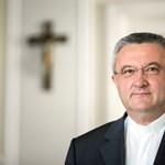 """Veres András püspök: """"Nem hallottam senkiről, aki vasárnap éhen halt volna"""""""