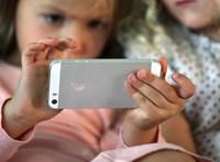 Több új funkció is jön a Facebookra, hogy nagyobb biztonságban legyenek a gyerekek
