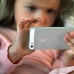 Szelfizés miatt szaporodnak a fejtetvek a holland gyerekek között