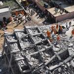 Tragikus házomlás Újdelhi közelében, egy szomszédos ház is romba dőlt – fotók