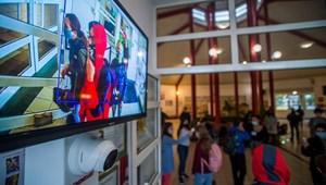 EMMI: az oktatási intézményekben is maradnak a rendkívüli intézkedések