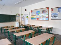 Petíció indult az iskolák bezárásáért