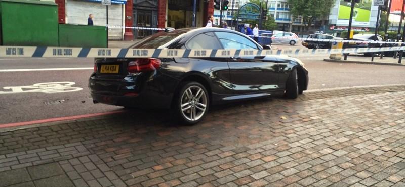 Egymást törte össze egy BMW M4 és egy 220d
