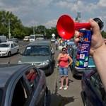 Európai autóvezetők: dudálásban a spanyolok a királyok