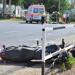 Meghalt egy motoros Városlődnél, lezárták a 83-as utat