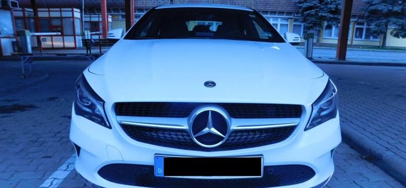 10 milliós lopott Mercedest fogtak a rendőrök Csanádpalotánál