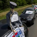 A LIGA elfogadhatatlannak tartja az Mt-t, útlezárásokkal tiltakoznak