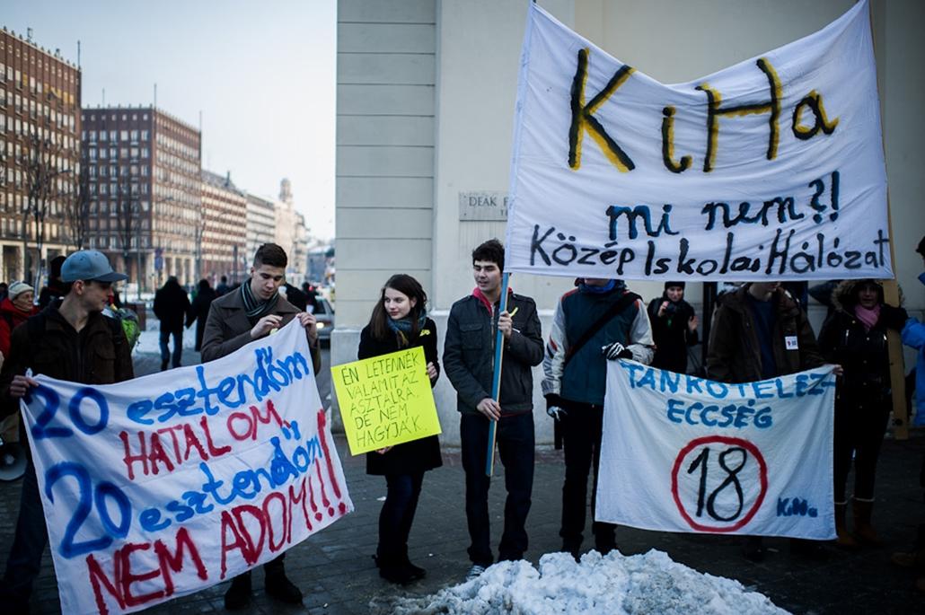Hallgatói Hálózat tüntetés, Deák tér, oktatás
