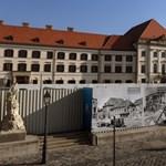 Kétszáz éves freskókat takartak le a felújítás során Orbán új munkahelyén