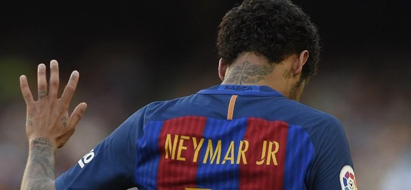 Könnyek között hagyta el a pályát a sérült Neymar