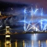 Kisebb tűz keletkezett az egyik tűzijátékos uszályon Budapesten