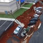 Fotó: Megnyílt a föld az autók alatt Mississippiben