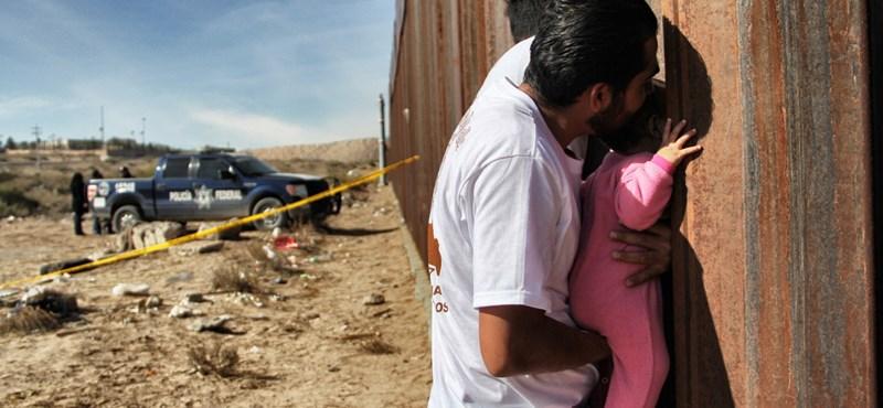 Trumpot sarokba szorították: ha enged, akkor a fal adja a másikat
