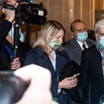 Otthonában támadták meg Bernard Tapie francia üzletembert