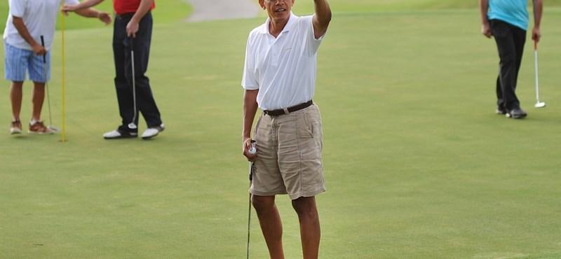 Fotók: Obama megmutatta vékonyka vádliját