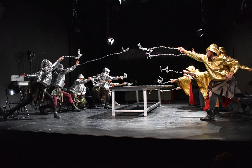 e_! - hvg év képei 2017 nagyítás - kka.17.10.11. - A IV. Henrik című darab fotóspróbája az  Örkény Színházban október 11-én.