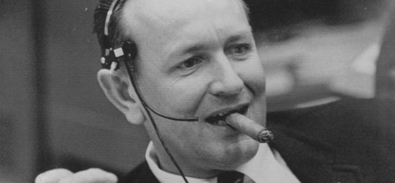 """95 éves korában meghalt a NASA első """"karmestere"""", aki a holdra szállást is levezényelte"""