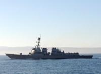 Erődemonstrációt tartott a Dél-kínai-tengeren egy amerikai hadihajó