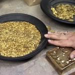Arany étel, arany telefon, arany a testünkben - a leggazdagabbak mániái