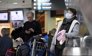 Csak a koronavírus-járvány kitörése előtt kezdődött utazásoknál fedezheti a biztosító az orvosi ellátást