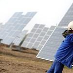 Atom mellé a Napot - napelemprojekttel házal Lázár