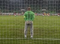 Három meccsre eltiltották Király Gábort