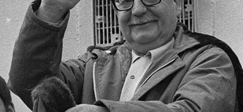Salvador Allende öngyilkos lett